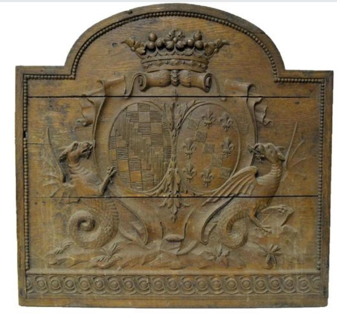 Stampo in legno intagliato su più assi